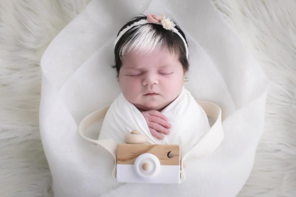 Bebê de BH nasce com mecha branca no cabelo e faz sucesso nas redes ... ba831472acb
